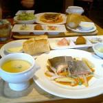 ビストロ「パリの食卓」