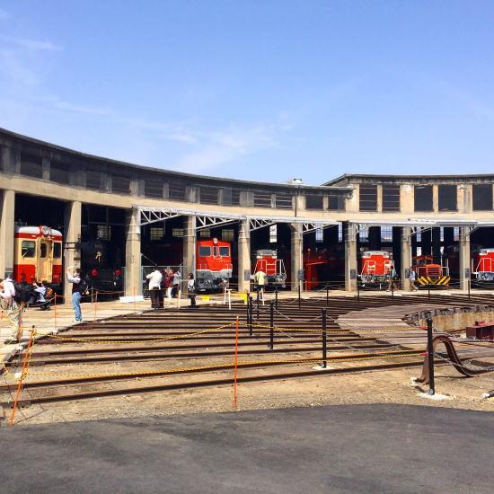 津山扇形機関車庫